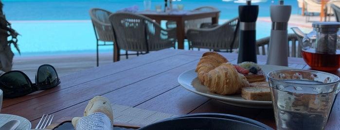 Lux* North Male Atoll is one of Posti che sono piaciuti a aziz.