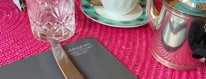 Babington's Tea Room is one of Posti che sono piaciuti a aziz.