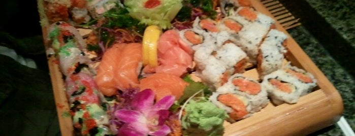Fuji Japanese Steakhouse & Sushi Bar is one of Lugares favoritos de Brittany.