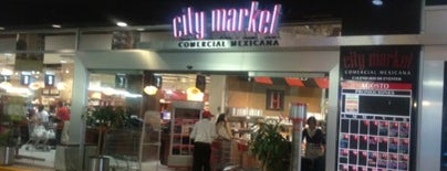 City Market is one of Locais curtidos por Ursula.