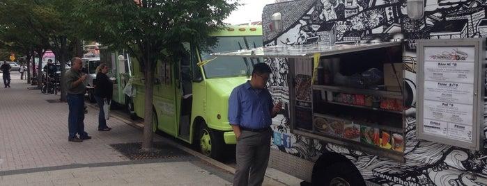 Seoul Food Truck is one of Tempat yang Disukai Sandra.