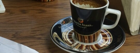Gloria Jean's Coffees is one of Tempat yang Disukai Caner.