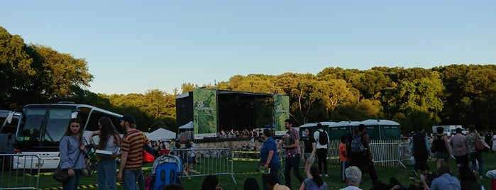 New York Philharmonic: Concerts in the Parks is one of สถานที่ที่ E ถูกใจ.