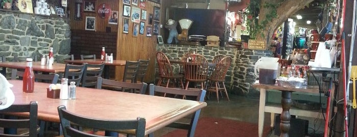 Stan's Country Restaurant is one of Locais curtidos por Cicely.
