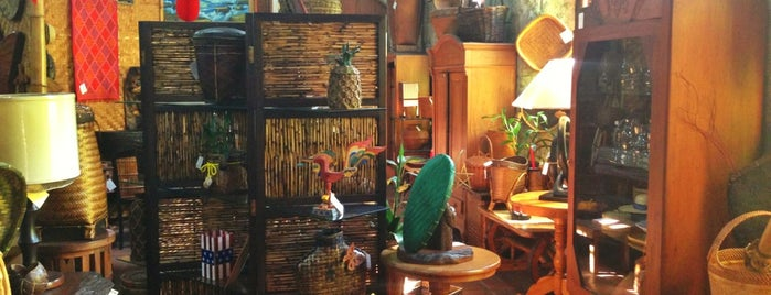 Silahis Art And Artifacts is one of Manila.