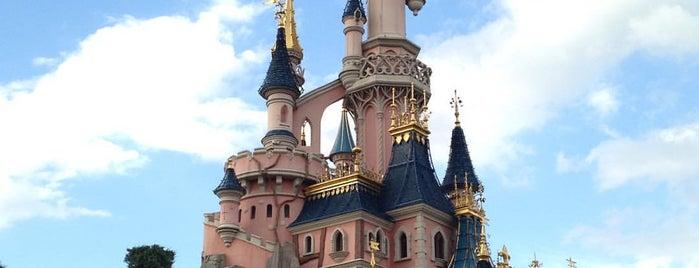 Disneyland® Paris is one of Lugares favoritos de Francisco José.
