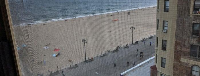 Brighton Beach is one of Orte, die Denis gefallen.
