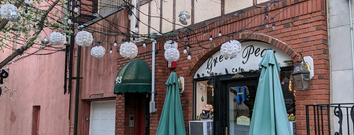 Green Pear Cafe is one of Restos Done 5 (2021).