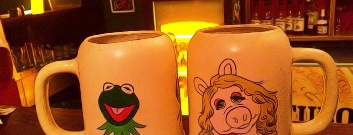 Muppet's Pub&Art is one of Favori Yerler.