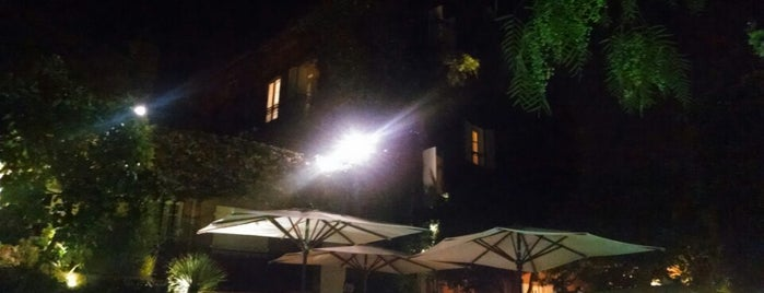 Hotel Le Yaca is one of 😴sLee💤.