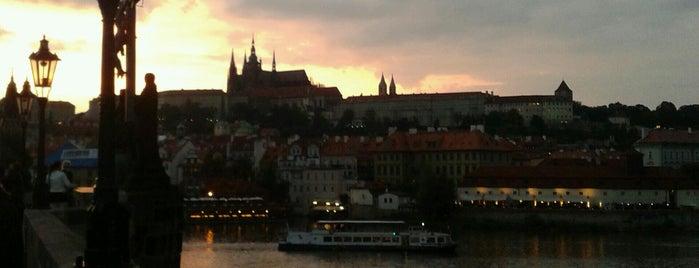 Ponte Carlos is one of Praha <3.
