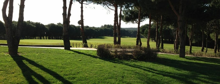 Kemer Golf & Country Club Golf Range is one of Lugares favoritos de Özge.