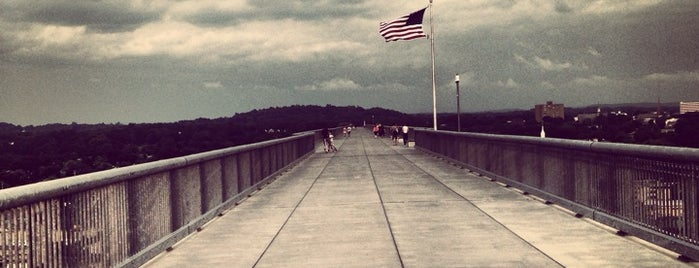 Walkway Over the Hudson State Historic Park is one of Hudson Valley - Restos/Sights to See.