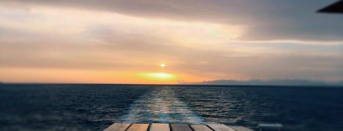 At Sea is one of สถานที่ที่ Miguel ถูกใจ.