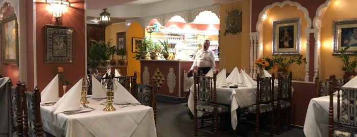 Tandoorian Restaurant is one of Locais curtidos por Ralph.