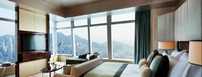 The Ritz-Carlton, Hong Kong is one of Lugares favoritos de Susie.
