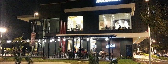 McDonald's / McCafé is one of Lieux qui ont plu à Melvin.