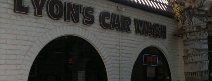 Lyons Car Wash is one of Mike 님이 좋아한 장소.