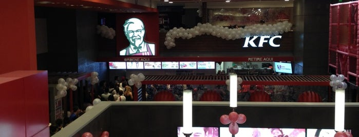 KFC is one of Locais curtidos por Facundo.