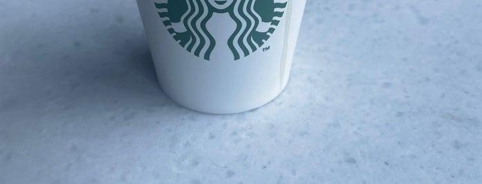 Starbucks is one of Lugares favoritos de Ekin.