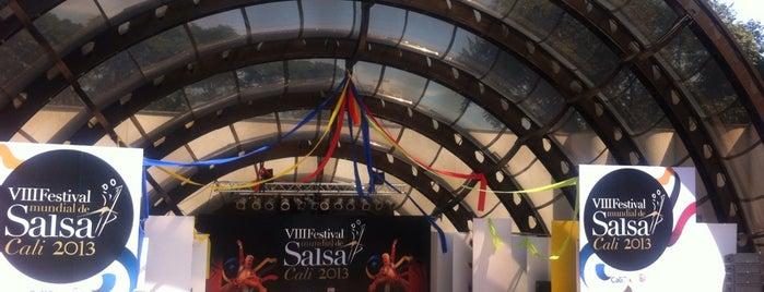"""Teatro al aire libre """"Los Cristales"""" is one of Lugares favoritos de Lulu."""