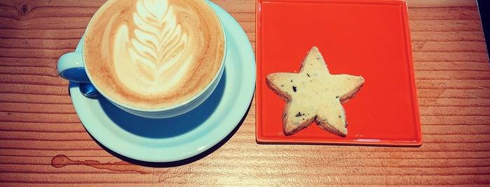 Buzz: Coffee Roaster And Bakery is one of Lisa'nın Beğendiği Mekanlar.