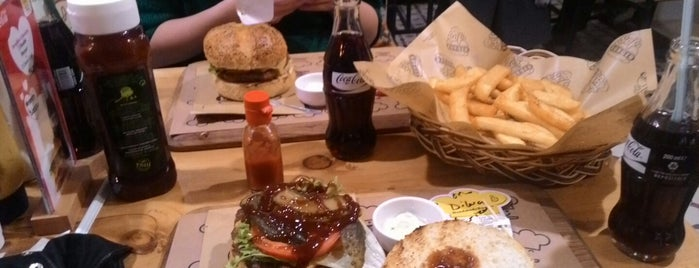 Şef's Burger is one of Posti che sono piaciuti a Beril.