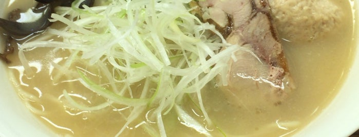 真正中華 唐人 春日町店 is one of Tempat yang Disukai Shohei.