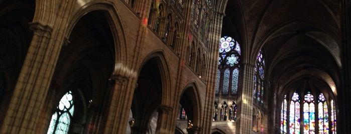 """Saint-Denis Bazilikası is one of Le parcours """"Pass Jeunes""""."""