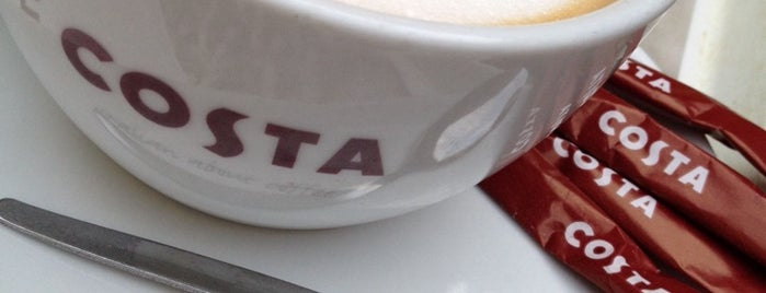 Costa Coffee is one of Locais curtidos por Alejandro.