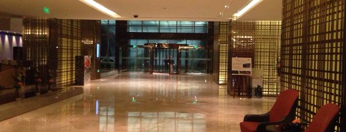 Sheraton Grand Beijing Dongcheng Hotel is one of Lieux qui ont plu à Arturo.