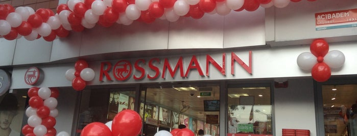 Rossmann is one of Posti che sono piaciuti a Sena.