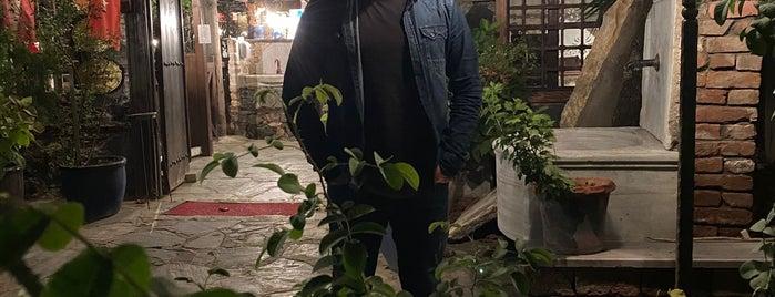 Kebapçı İskender   İskender İskenderoğlu ve Evlatları is one of Halil G.'ın Beğendiği Mekanlar.