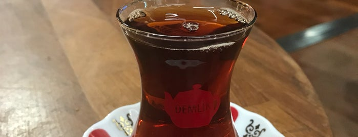 Demlik Cafe is one of Engin : понравившиеся места.