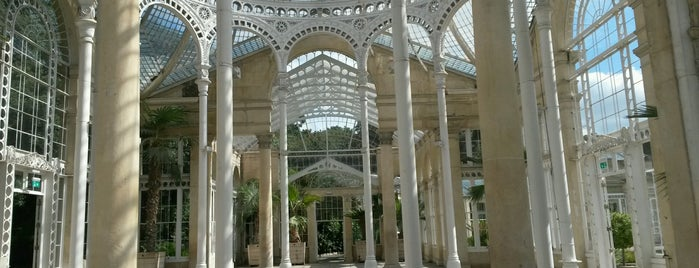 Syon Park is one of Serres et verrières🌿.