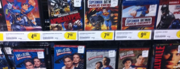 Best Buy is one of Lugares favoritos de Mike.