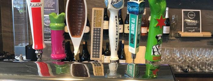 Nob's Wine Bar is one of Posti che sono piaciuti a Lauren.