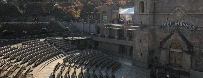Mountain Winery Amphitheater is one of Vickyeさんのお気に入りスポット.