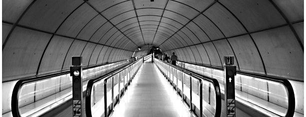 Metro Casco Viejo is one of Docmat : понравившиеся места.