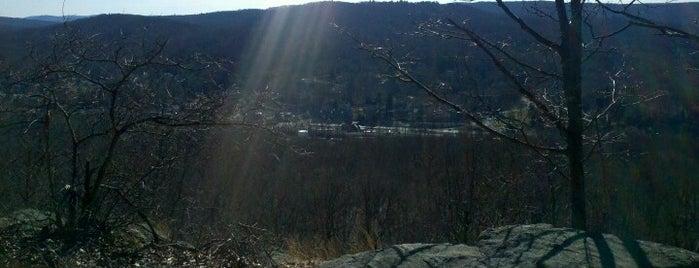 Lake Sebago And Stony Brook Trail is one of Tempat yang Disukai Mario.