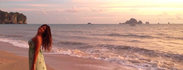 Ao Nang Beach is one of Tempat yang Disukai honey 🌾.