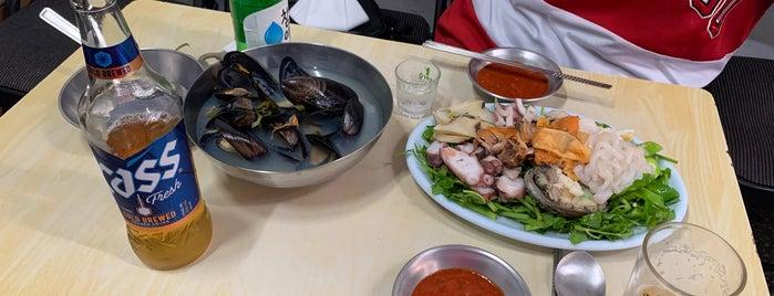 필동해물 is one of seafood.