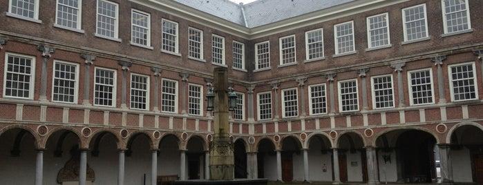 Koninklijke Militaire Academie is one of Breda.