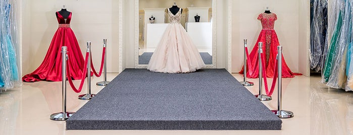 Castle Couture is one of mis event planning.