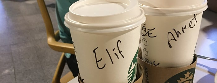 Starbucks is one of Semin 님이 좋아한 장소.
