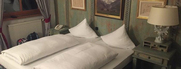 Hotel Schrenkhof is one of สถานที่ที่ Veronika ถูกใจ.