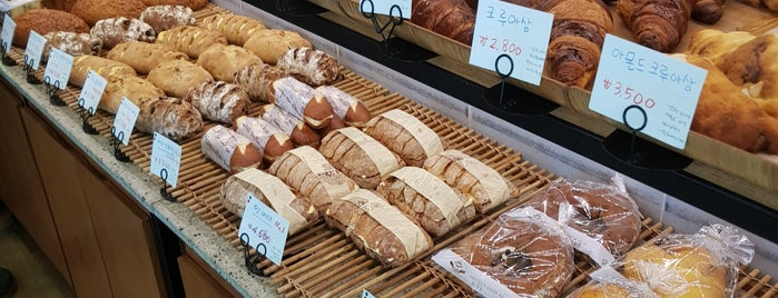 Kim Rok Hoon Bakery is one of Hayanさんのお気に入りスポット.