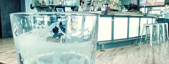 Pearl Tavern is one of สถานที่ที่ Dj ถูกใจ.