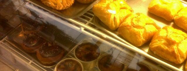 Panadería Tolentino is one of Lugares favoritos de Alejandra.