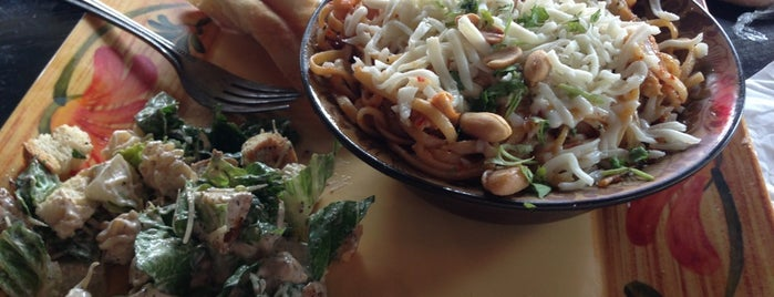 Noodle Zoo is one of Evan[Bu] Des Moines Hot Spots!.